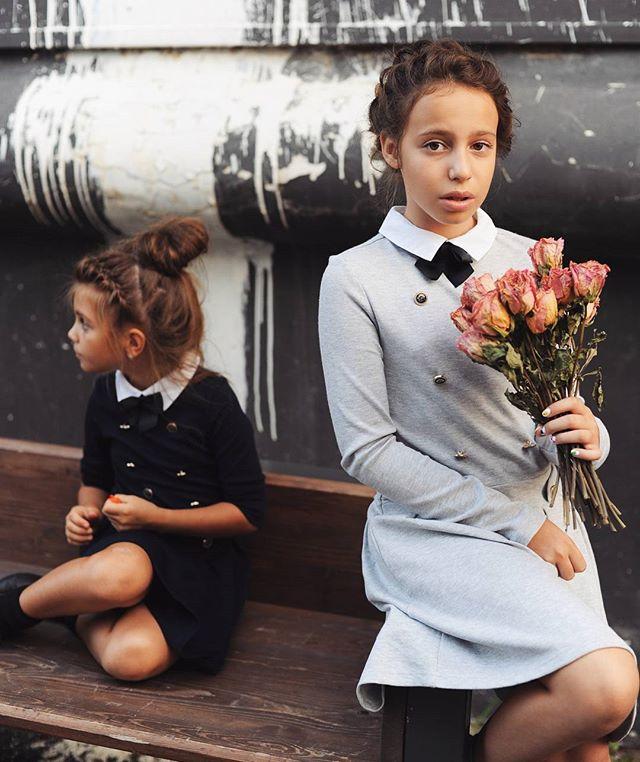 И, кстати, эти школьные кадры уже на snegmagazine.ru @snegmagazine.Фотограф - @eremeeva_photo, школьная коллекция - @acoolakids