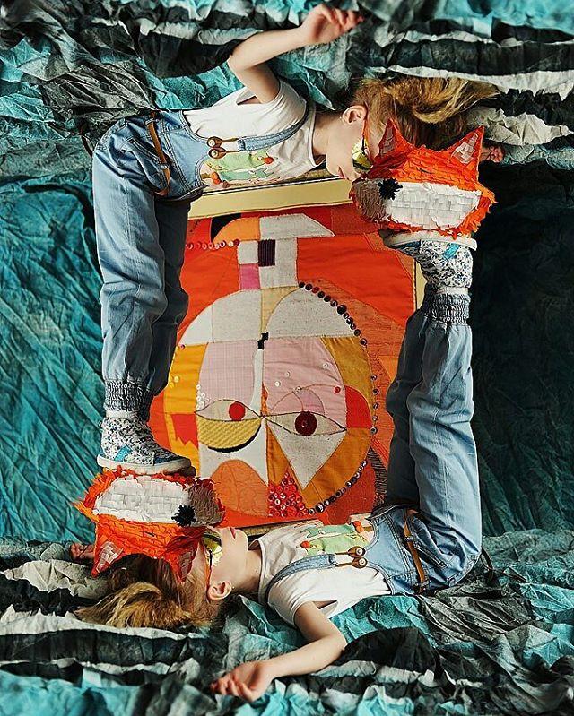 Волшебная история о принце и лисе, о дружбе, о мечтах, доброте и космосе.Яна и Настя для @babiekinsmag , фотограф @eremeeva_photo, волшебный лис от @pardon_carton, художник по гриму Саша Новоселова @stylist_alex.novoselova, стилист Софья Зозуля @sofyazozulya, кастинг @ivanovajula, за свитшоты и панно спасибо школе дизайна Рыжий кот @redcat_designschool, за одежду принца @orby_nsk, и мы все в гостях у @nadyasemchenko