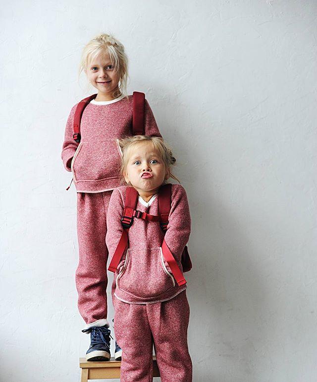 В субботу в Амстердаме с нами @_zippiz_ Zippiz создает детский образ, в котором сезонность, функциональность и неординарность стали опорными точками, избавляя от проблемы комплектации одежды. А если добавить к этому очаровательных зайцев, круизные мотивы, ягодные/люрексные/джинсовые молнии, полоски, вельветовые звезды - вы легко поймете, что одеваться стало приятно и весело, а выглядеть стильно можно в любом возрасте!18.11 в ТК АмстердамСбор гостей в 14.45 на 3 этаже.