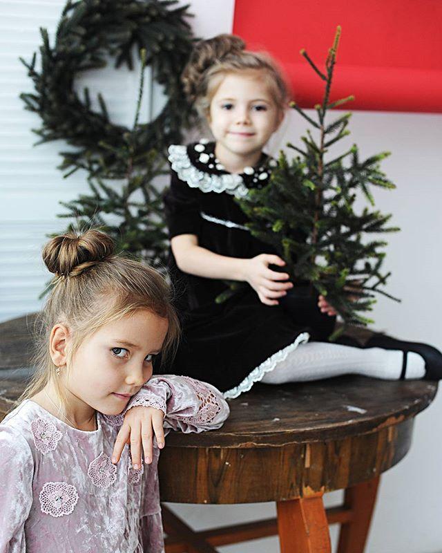 Валя и Настя для @little.fashion.54 #starkidsbackstages