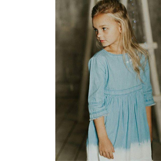 Варя в объективе @sheisnataliii,  образ @ekaterina_stylist_nsk, платье @acoolakids