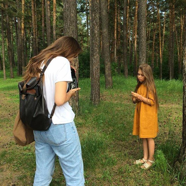 Маша @starkidsmodeling и Настя @han_anastasia на съёмке для @prostokrasivo.kid #starkidsbackstages