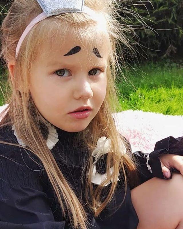 Снимаем историю про принцессу, которая забыла, что у нее день рождения осенью #starkidsbackstages Команда:@geltservaleriia @starkidsmodeling@eremeeva_photo@yulia__pavletsova @anna_love_fashion